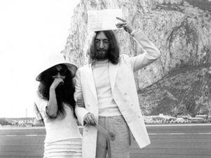 Todo cambi� cuando John Lennon se cas� con Yoko Ono