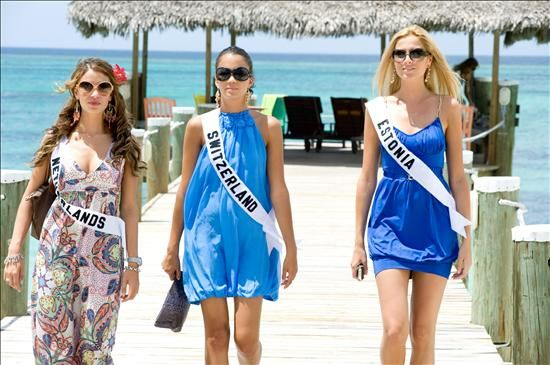 Miss Suiza y Miss Estonia