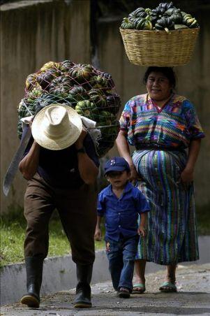 Los indígenas piden aprobar la ley de desarrollo rural integral en Guatemala