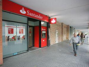 El banco santander vende desde hoy pisos con un descuento for Oficinas banco santander las palmas
