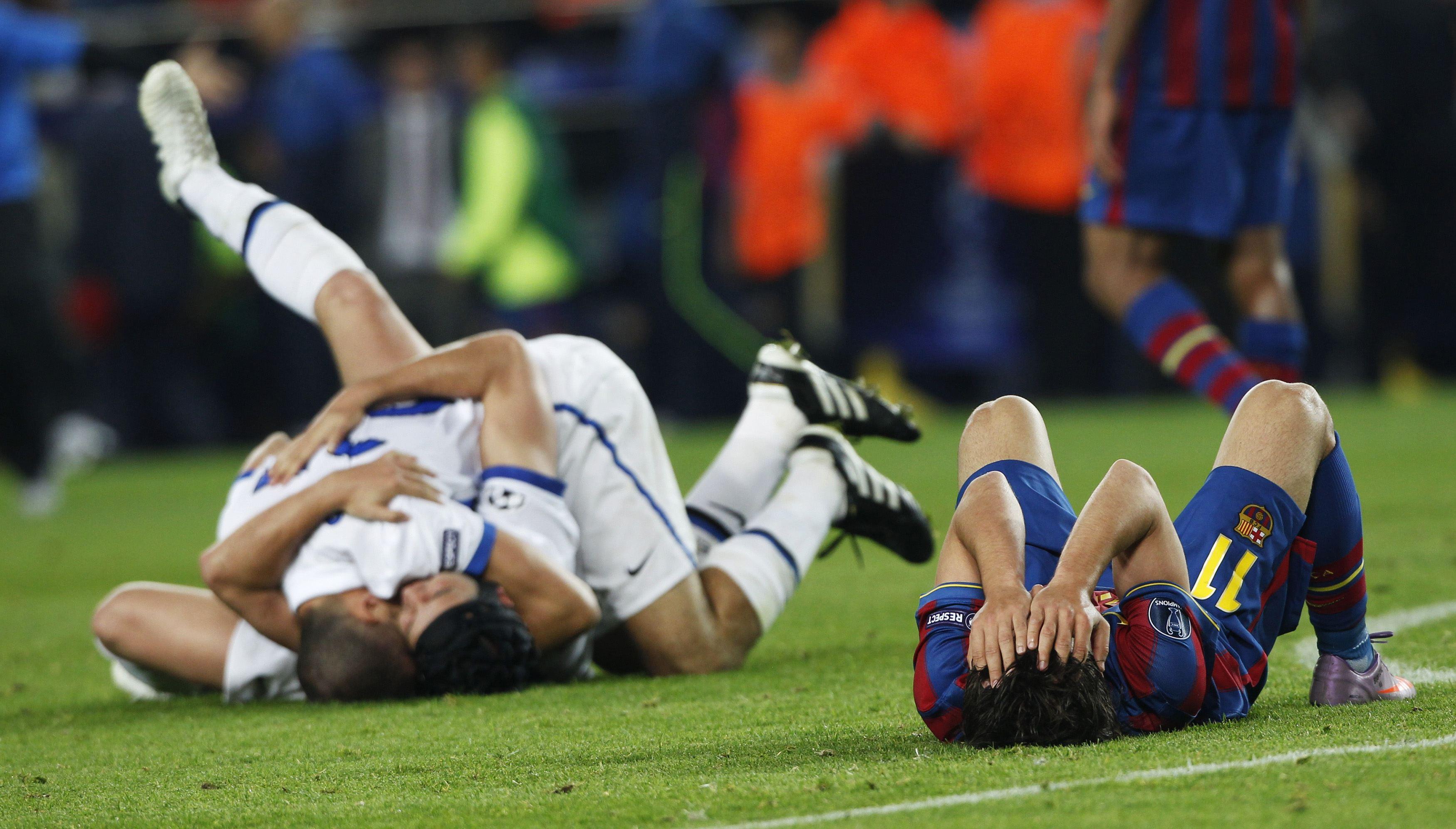 Сексуальная жизнь футболистов на футбольном поле самые прикольные фото 8 фотография