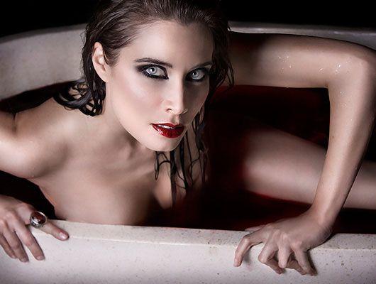 Angelina Kurkova Pilar_rubio_bathory_ok-640x640x80