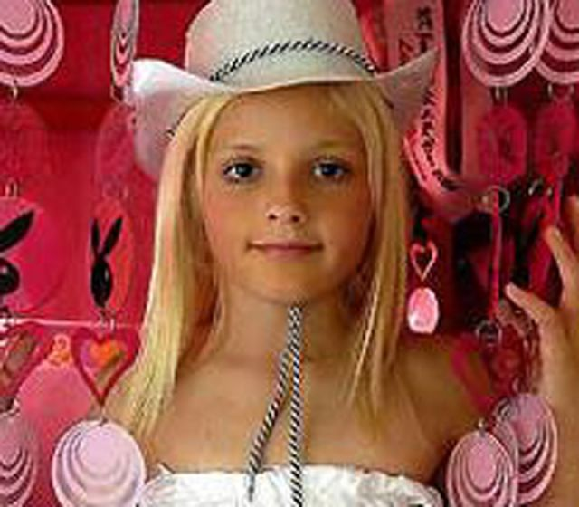 Sasha Bennington Beauty Queen http://www.pic2fly.com/Sasha+Bennington.html