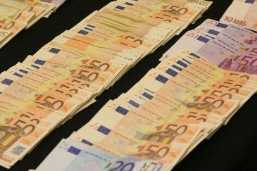http://www.que.es/archivos/201006/dinero_billetes_n-365xXx80.jpg