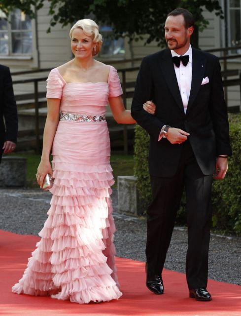 El príncipe Haakon y su esposa, la princesa Mette-Marit