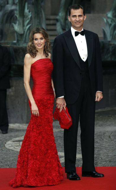 Don Felipe y doña Letizia en la cena de gala previa a la boda de Victoria de Suecia