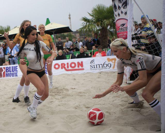 El Otro Partido Alemania Australia De F Tbol Playa Femenino