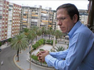 Un exiliado dice que si Pajín y Valenciano ignoran la oposición aceptan las reglas del Gobierno de Cuba