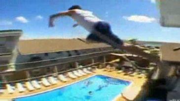 Nuevo 39 balconing 39 un joven grave tras tirarse a la for Tirarse a la piscina