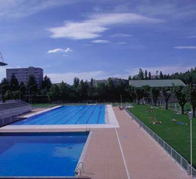 Piscina de la universidad complutense de madrid foto www for Piscina complutense madrid