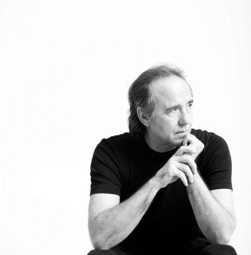 Joan Manuel Serrat ofrecerá uno de los últimos conciertos de su gira en Avilés de la mano del Centro Niemeyer