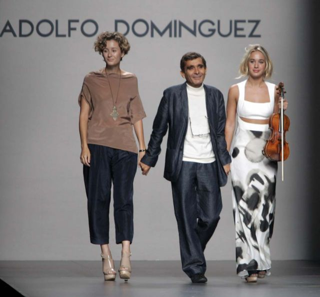 Adolfo dominguez saluda en cibeles madrid fashion week for Adolfo dominguez oficinas madrid