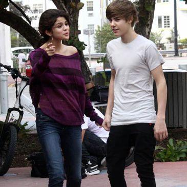 Rumores de boda: Justin Bieber y Selena Gómez incendian internet con su supuesta boda para 2011