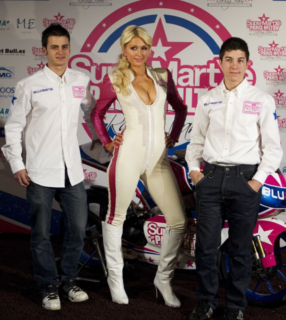 - paris_hilton_motos_7-640x640x80
