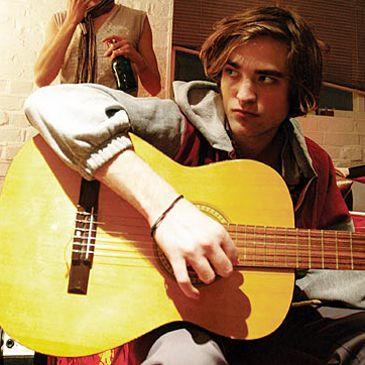 Robert Pattinson, el novio de Kristen Stewart, quería ser rapero como Eminem antes de hacer películas
