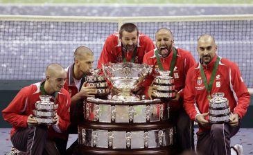 Serbia la Copa Davis por primera vez en su historia al vencer a Francia por 3-2