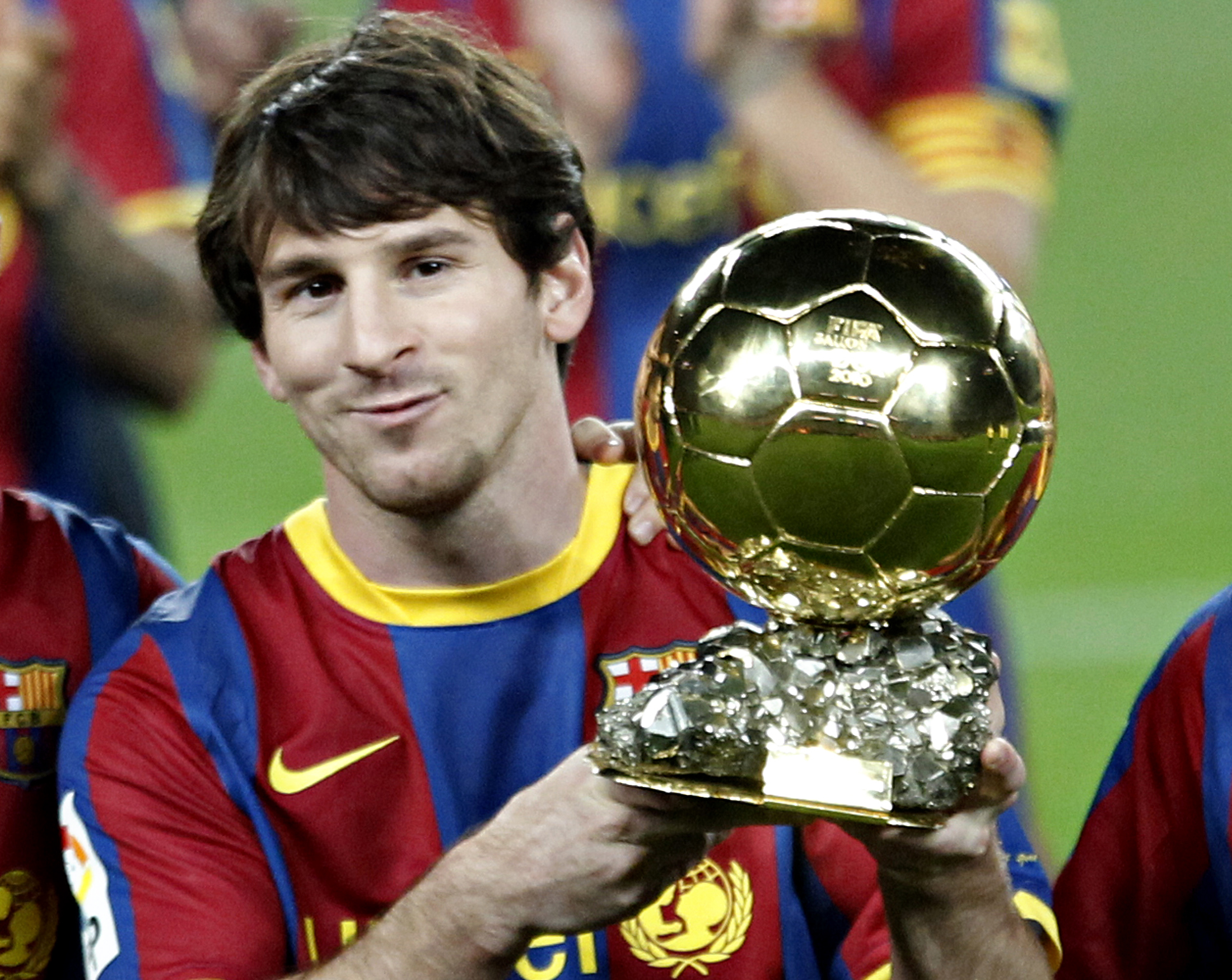 Hilo nico Leo Messi vs CR7 Historia palmars vdeos noticias