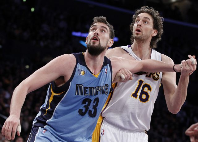 Pau Gasol frente a su hermano Marc, en el Lakers - Grizzlies