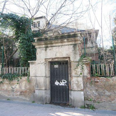 Una puerta que se abre qu es for Puerta que se abre sola