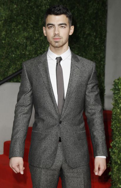 Oscar 2011: Joe Jonas en la fiesta de Vanity Fair