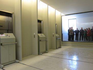 El tanatorio de torrero dispone ya de salas aconfesionales for Tanatorio los jardines carrizo
