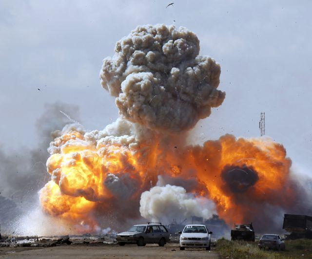 [FLT III] Grupo 1: RESH 5-1 RIKARUDO (Ganador: RESH) Libia_explosion-640x640x80