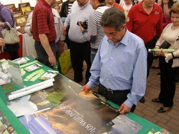 Cientos de personas visitan la V Feria de Artesanía y Gastronomía de los Valles Pasiegos