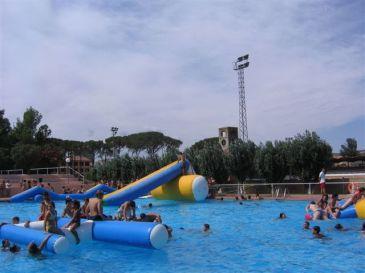 Las piscinas municipales de fraga huesca reabren sus for Piscinas municipales barcelona