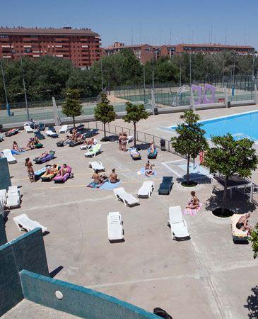 Las piscinas abrir n este a o una semana menos que en 2010 for Piscinas municipales elche
