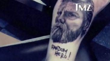 Wee-Man, de Jackass, se tatúa la cara de Ryan Dunn como homenaje. Wee_man_dunn_tatu_n-365xXx80