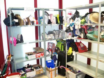 unas 100 personas reclaman diariamente objetos perdidos en