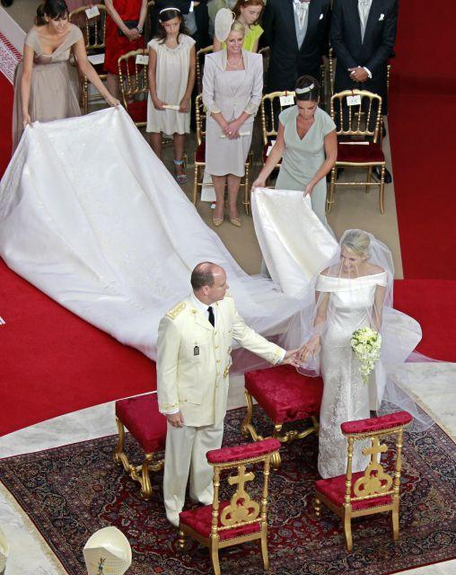 Boda Real en Mónaco: El príncipe Alberto y la princesa Charlene, en el altar