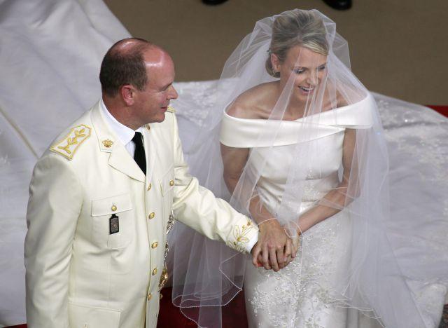 Boda Real en Mónaco: El príncipe Alberto y Charlen se ríen en el altar