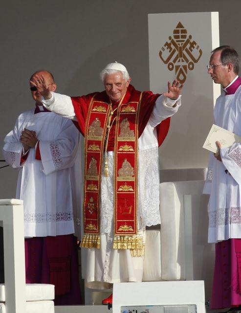 JMJ 2011: El Papa Benedicto XVI preside el Vía Crucis en Madrid