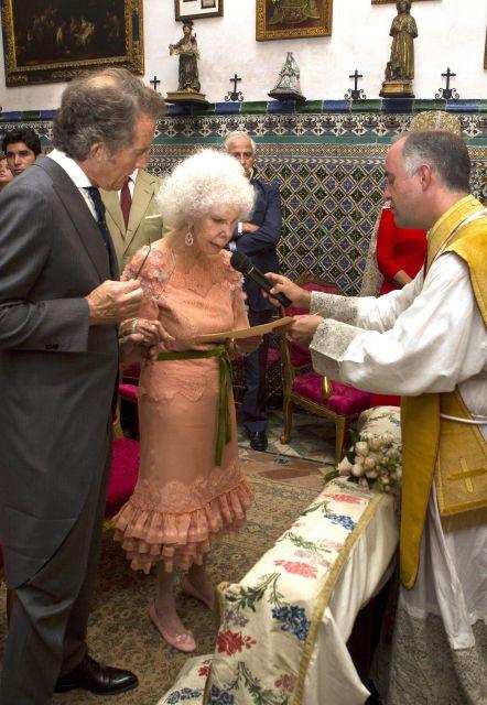 La Ceremonia de boda de la Duquesa de Alba: Cayetana hace su lectura en la misa