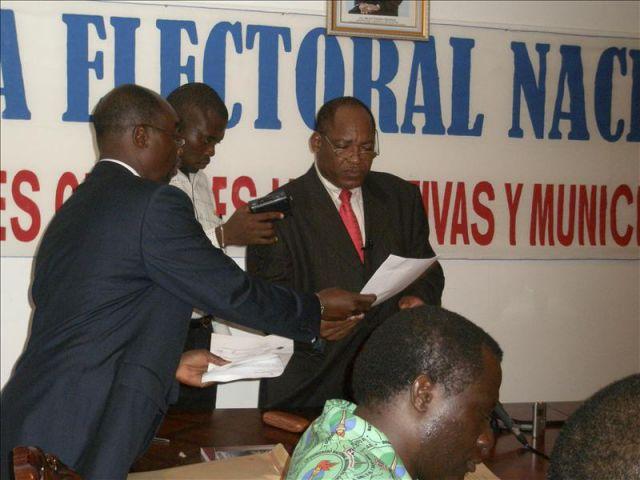 El ministro del interior de guinea ecuatorial clemente for Ultimas declaraciones del ministro del interior