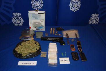 La Policía Nacional detiene a dos personas por traficar con drogas en Logroño