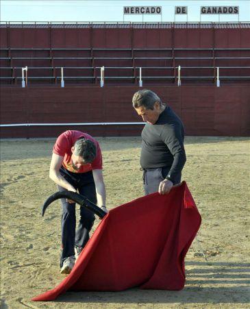 El niño que soñó con parecerse a Belmonte se vestirá de corto a los 80 años