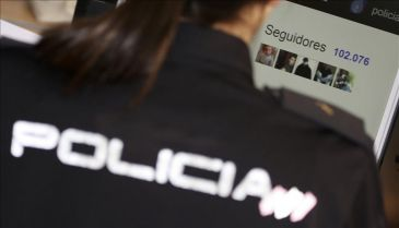Dos mujeres policías relatan su noche de patrulla en Twitter