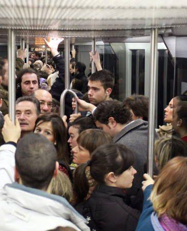 Sabotaje en el Metro de Madrid contra el tarifazo: Activan el freno de emergencia en trece trenes a la vez