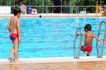 Las piscinas municipales abren desde este s bado con for Piscina municipal mostoles