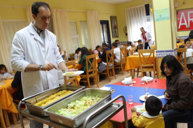 Imagen del comedor infantil de mensajeros por la paz qu es for Comedor infantil