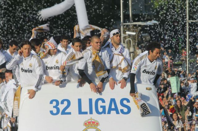 Related Pictures Los Jugadores Del Real Madrid Pepe I Marcelo Vieira