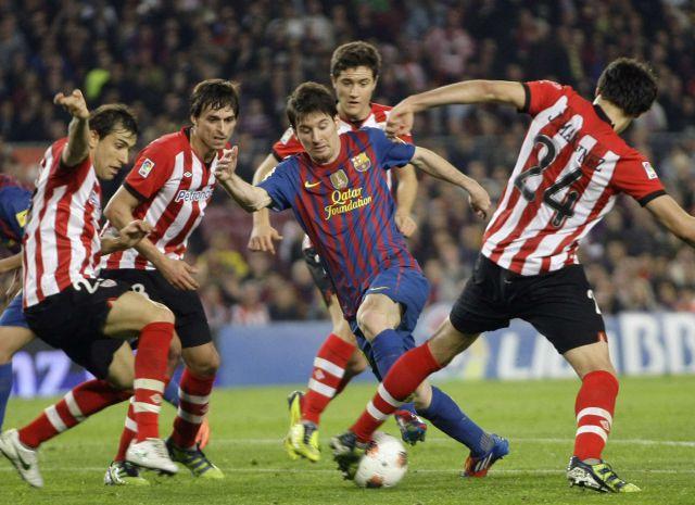 Andres Iniesta = oliver Atom, le quita el puesto a messi