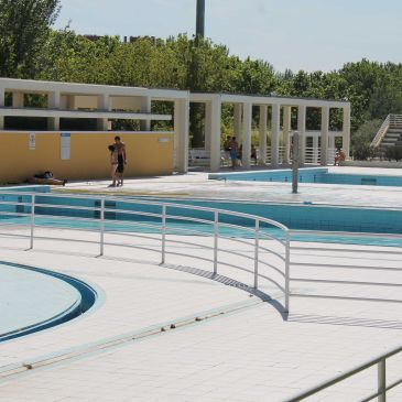 Las piscinas municipales de verano en madrid abren el d a for Piscina municipal getafe
