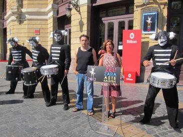 La plaza del arriaga y la plaza del gas ofrecen 23 - Plaza del gas bilbao ...