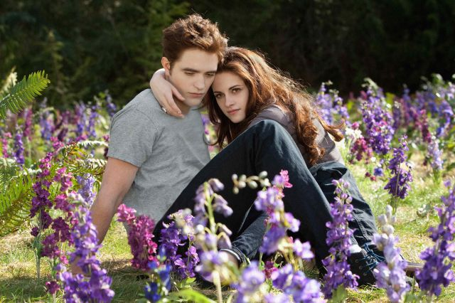 e07fe2a10e1fd Robert Pattinson y Kristen Stewart en las últimas imágenes de .
