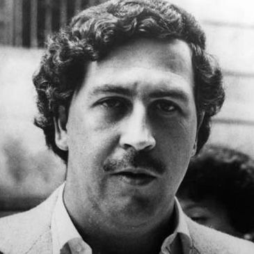 de cromos sobre el 'narco' Pablo Escobar causa furor en Medellín