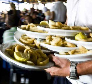 Ofertas de empleo: Cómo ser camarero en Austria y ganar 1.800 euros al mes