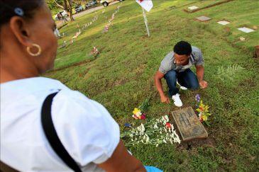 Se cumplen 23 a os de la invasi n de panam por ee uu con for Cementerio jardin de paz panama